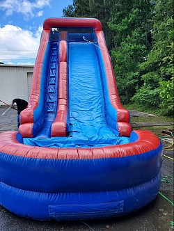 18 ft. Wet/Dry Slide with pool attached